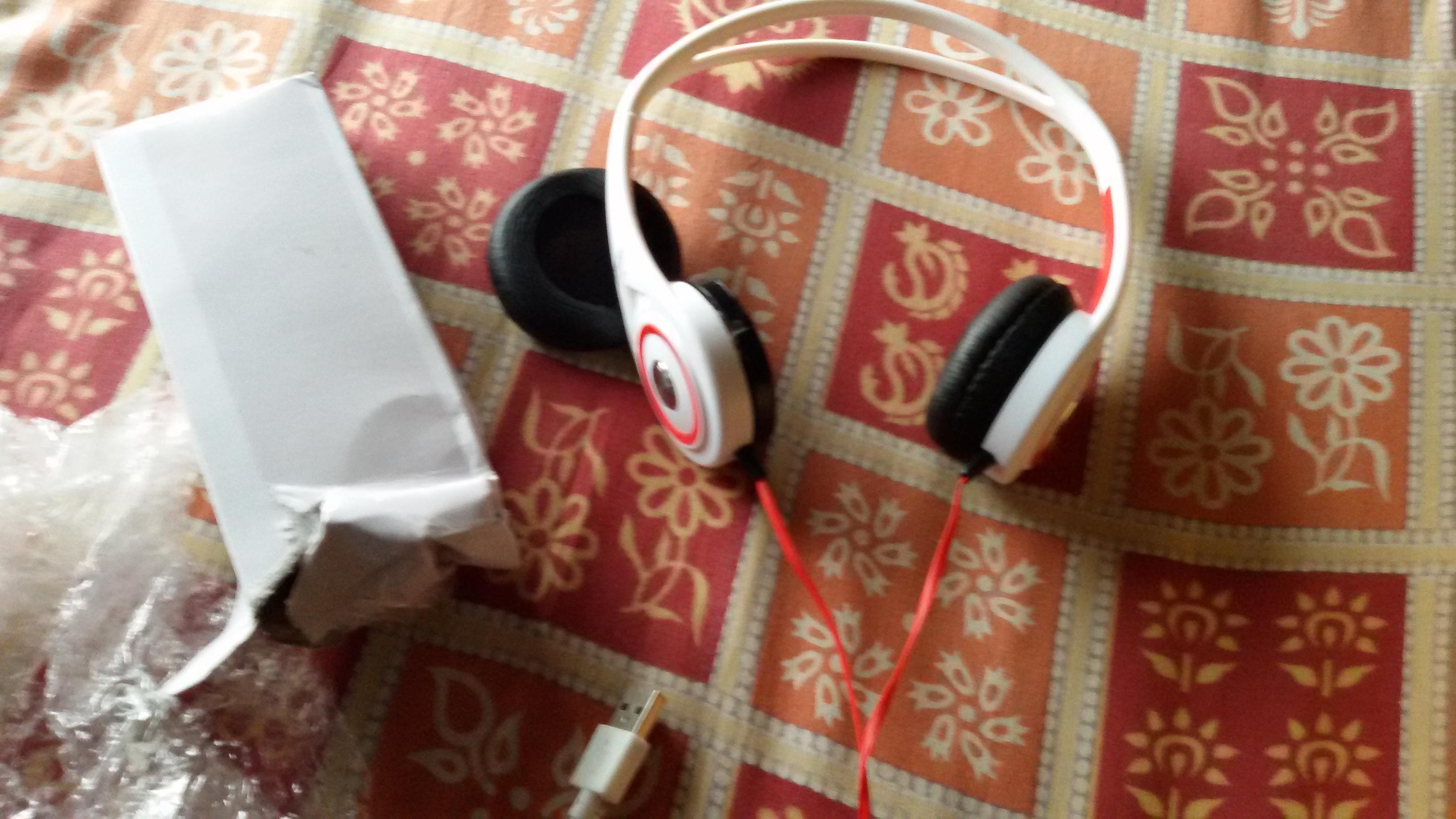 headphone and powerbank